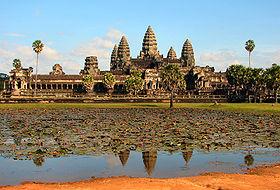 1300727663-280px-Angkor_Wat